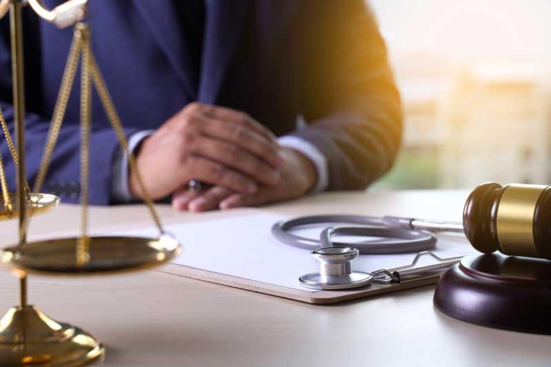 הביקורת על תביעות רשלנות רפואית בלידה